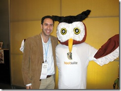 David Berkowitz and the HootSuite Owl at the 140 Characters Conference June 09 - 140conf